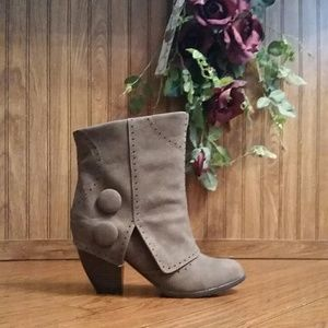 Brown Button Cuff Detail Ankle Boots